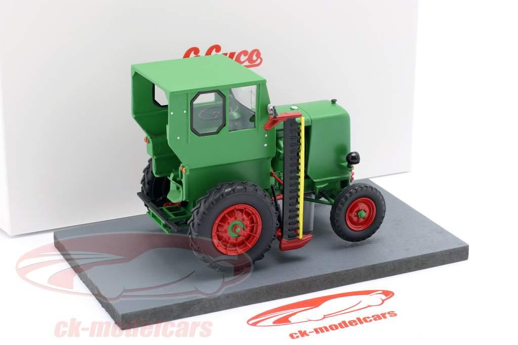 IFA RS 03 Aktivist tractor Bouwjaar 1949-1952 groen 1:32 Schuco