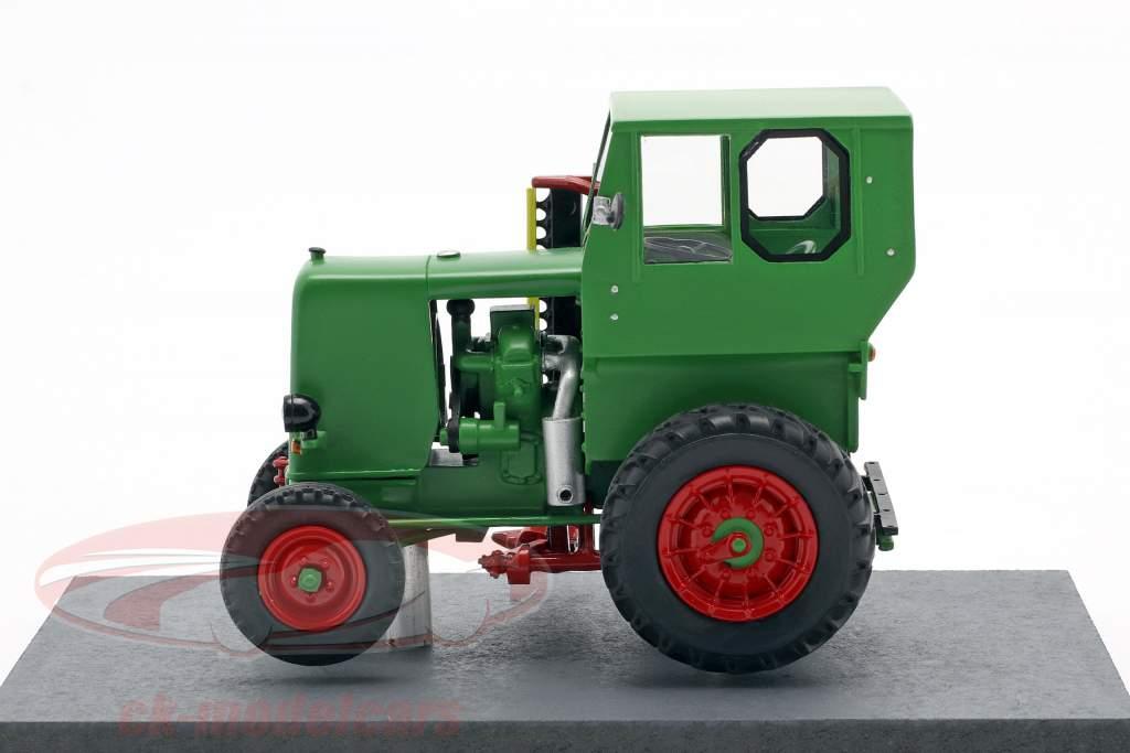 IFA RS 03 Aktivist trattore Anno di costruzione 1949-1952 verde 1:32 Schuco