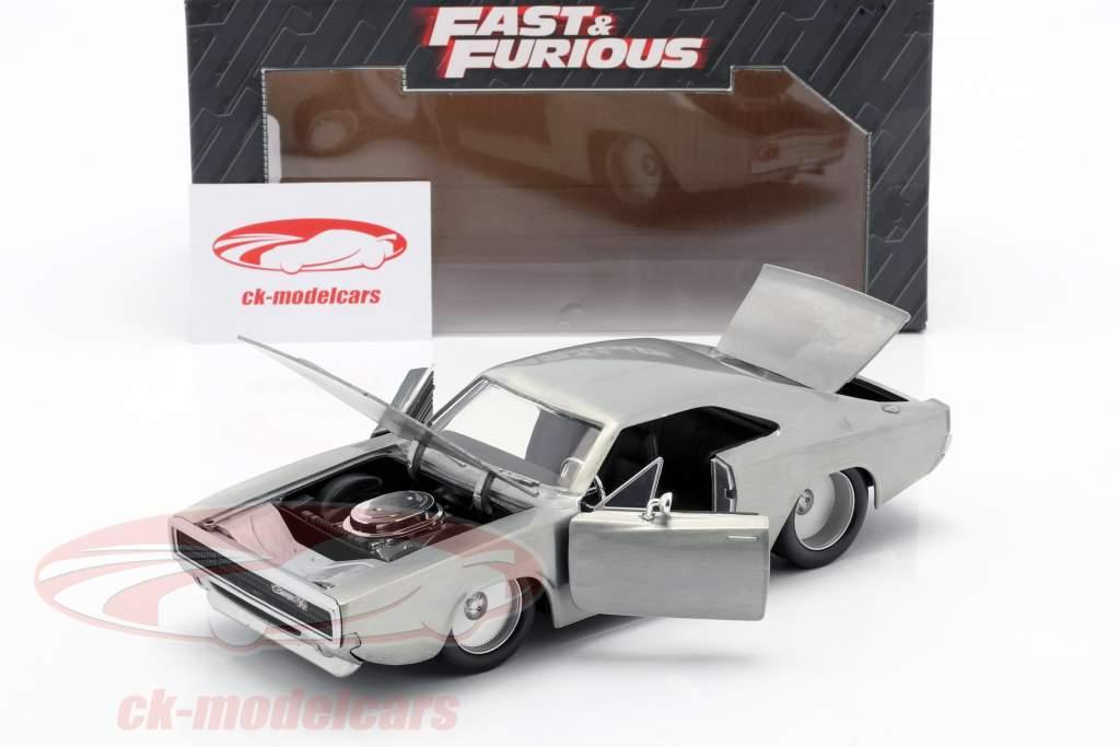Dom´s Dodge Charger R/T de la película Fast and Furious 7 2015 plata 1:24 Jada Toys