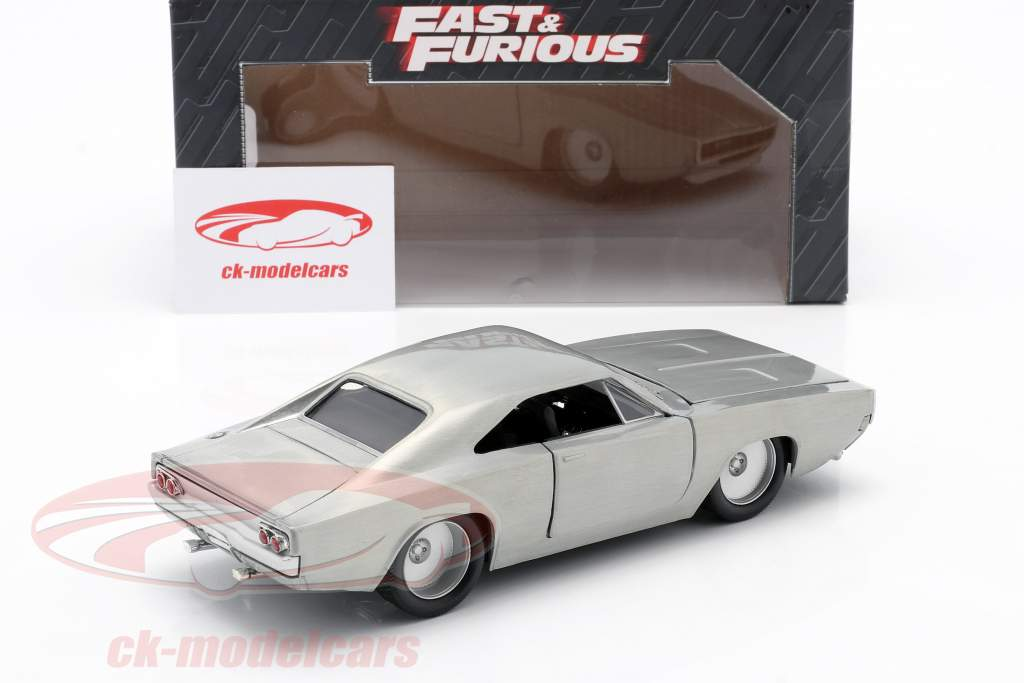 Dom´s Dodge Charger R/T van de film Fast and Furious 7 2015 zilver 1:24 Jada Toys