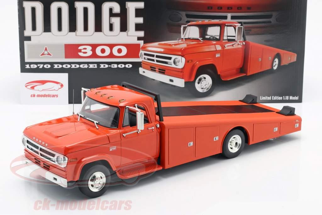 Dodge D-300 Ramp Truck year 1970 orange red 1:18 GMP