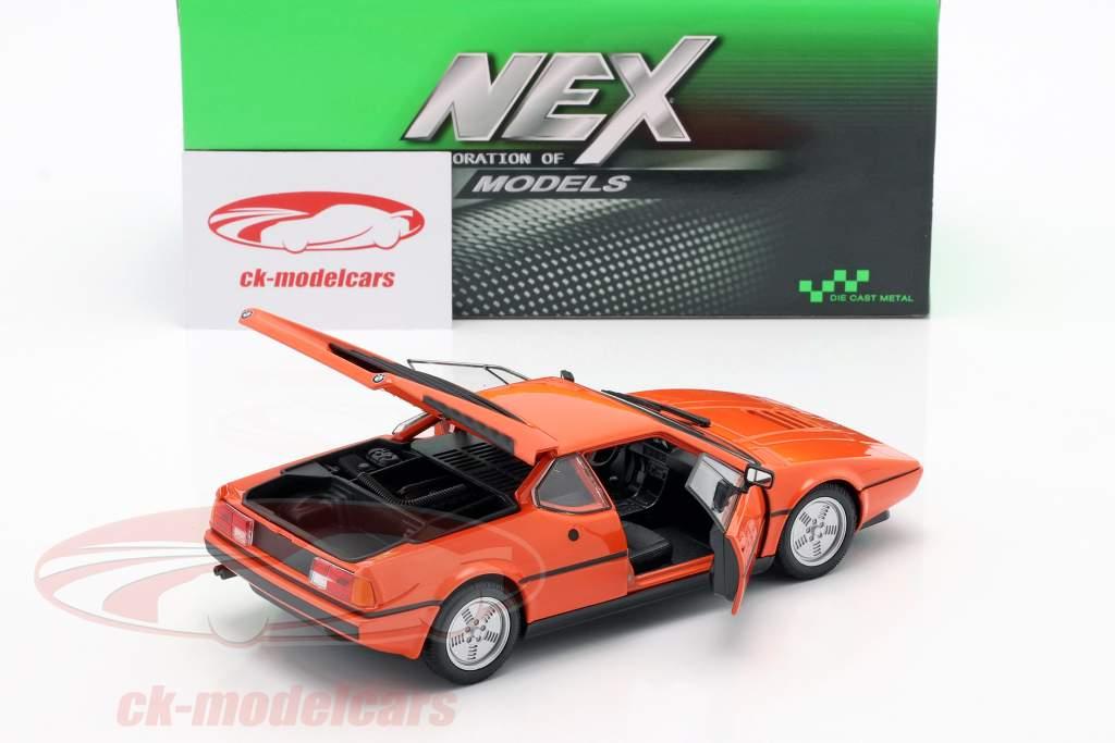 BMW M1 jaar 1978 oranje 1:24 Welly