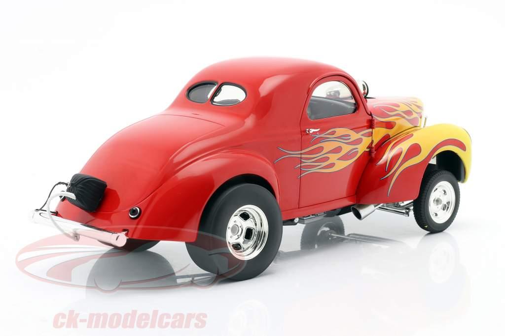 Willys Gasser Baujahr 1941 rot mit Flammen 1:18 GMP