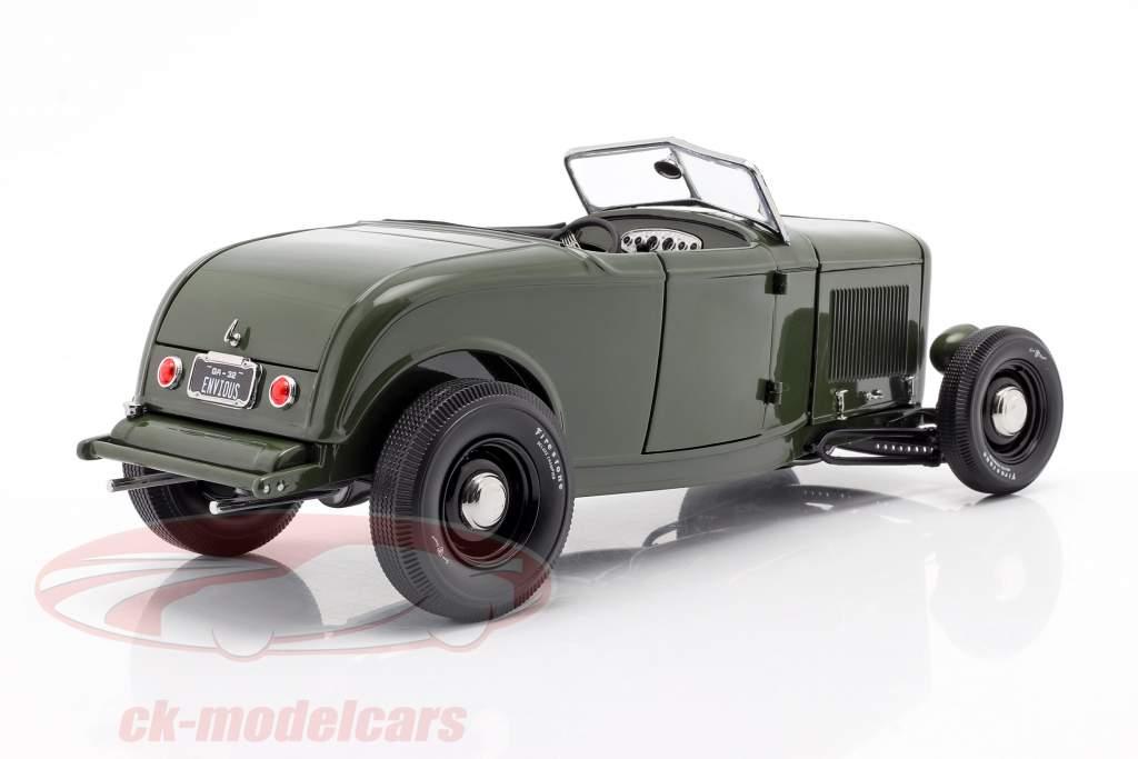 Ford Roadster Ano de construção 1932 Green with Envy verde escuro / Preto 1:18 GMP