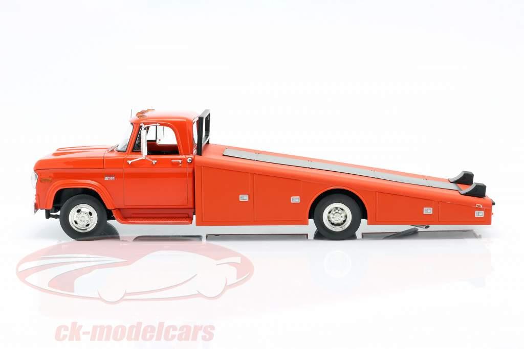 Dodge D-300 Ramp Truck Baujahr 1970 orange-rot 1:18 GMP