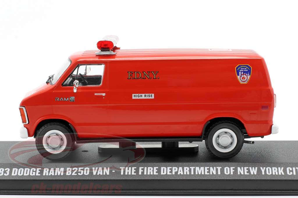 Dodge RAM B250 Van New York City Fire Department 1983 rød 1:43 Greenlight