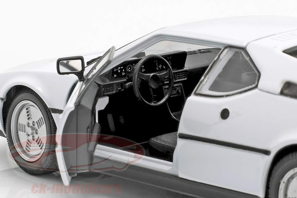 BMW M1 anno 1978 bianca 1:24 Welly