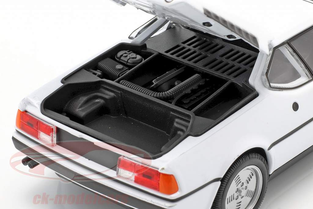 BMW M1 jaar 1978 wit 1:24 Welly