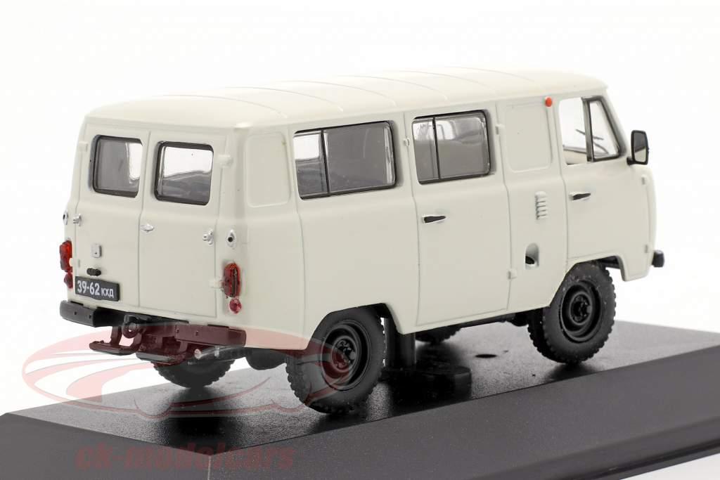 UAZ 452 minibus Année de construction 1980 blanc 1:43 IST-Models