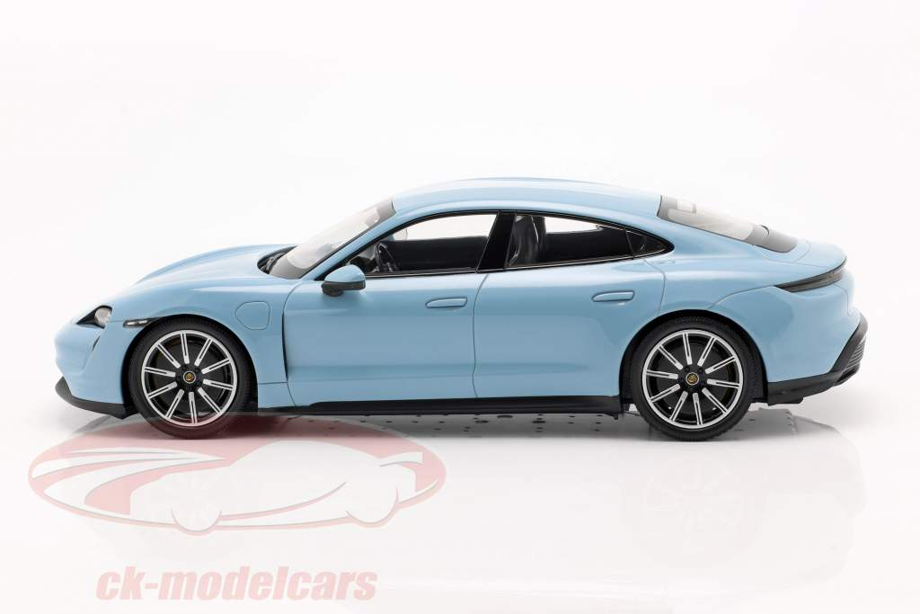 Porsche Taycan 4S Année de construction 2019 frozenblue metallic 1:18 Minichamps