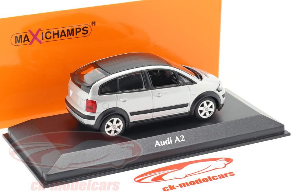 Audi A2 (8Z) Baujahr 2000 silber 1:43 Minichamps