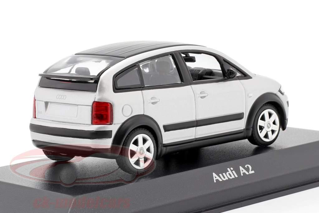 Audi A2 (8Z) Bouwjaar 2000 zilver 1:43 Minichamps