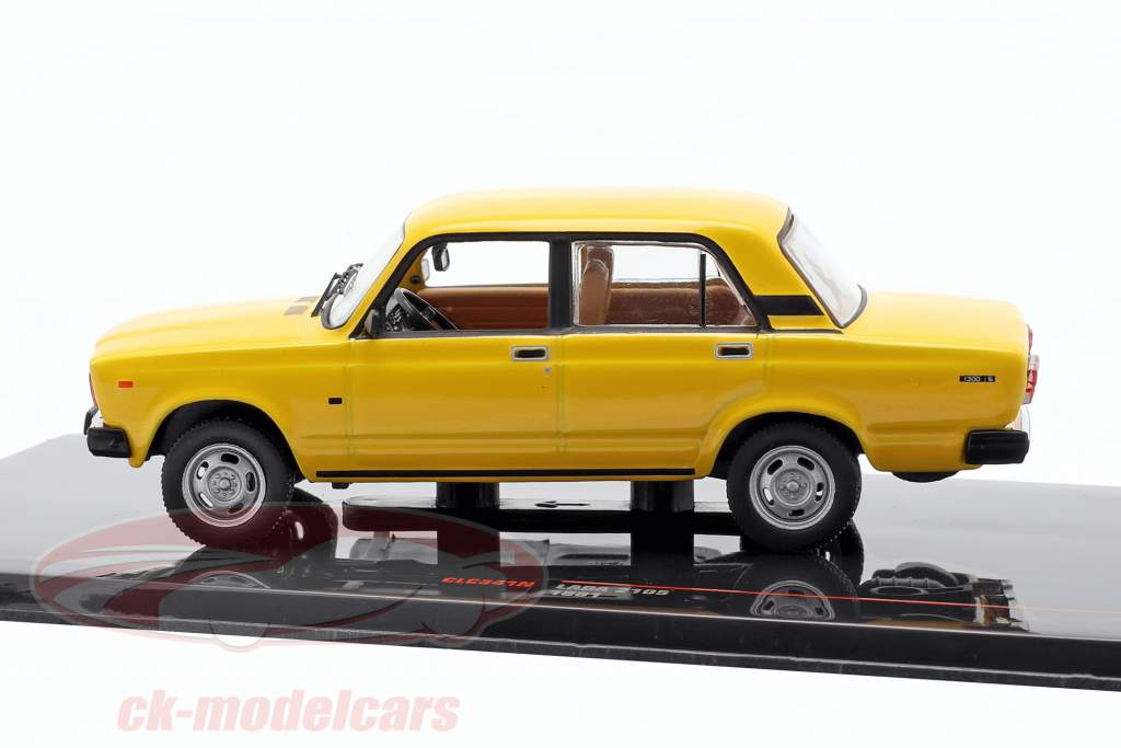 Lada 2105 Anno di costruzione 1981 giallo 1:43 Ixo