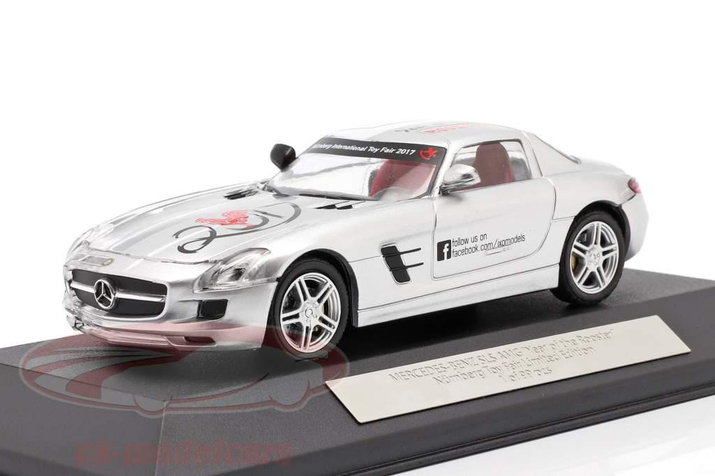 Mercedes-Benz SLS AMG Año de los Gallo Feria de juguetes Nürnberg 2017 plata 1:43 Ixo
