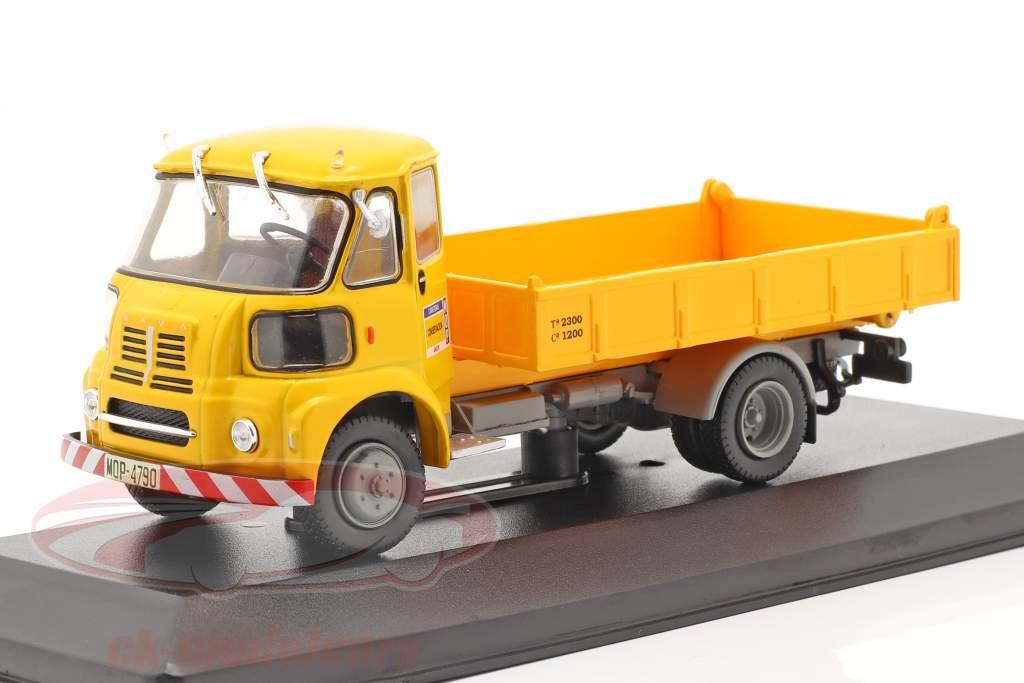 Sava BMC S-66 Vrachtwagen MOP Bouwjaar 1962 geel 1:43 Altaya