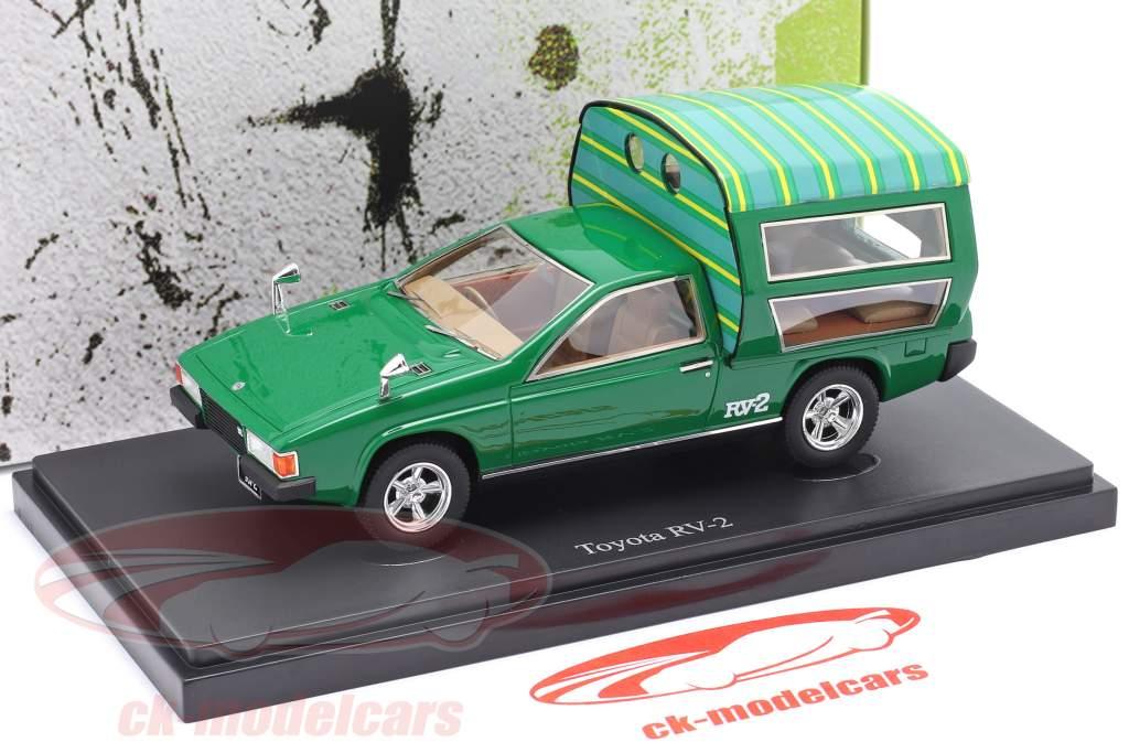 Toyota RV-2 Byggeår 1972 grøn 1:43 AutoCult