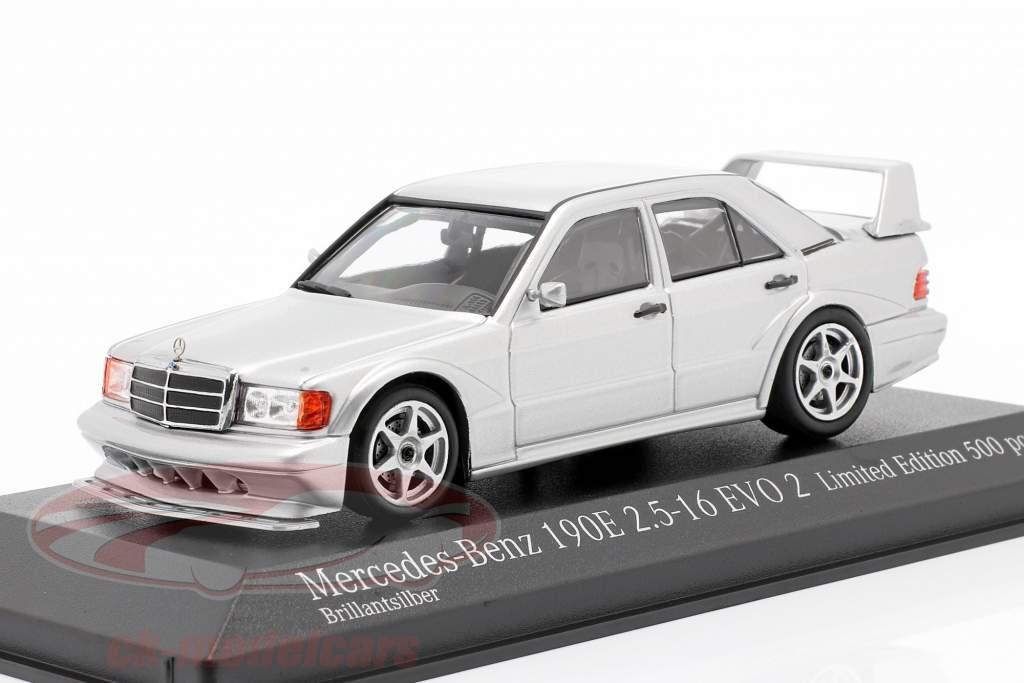 Mercedes-Benz 190E 2.5-16 Evo 2 Année de construction 1990 argent 1:43 Minichamps