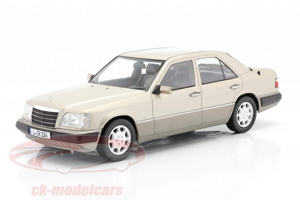 Mercedes-Benz E klasse (W124) Bouwjaar 1989 rokerig zilver 1:18 iScale