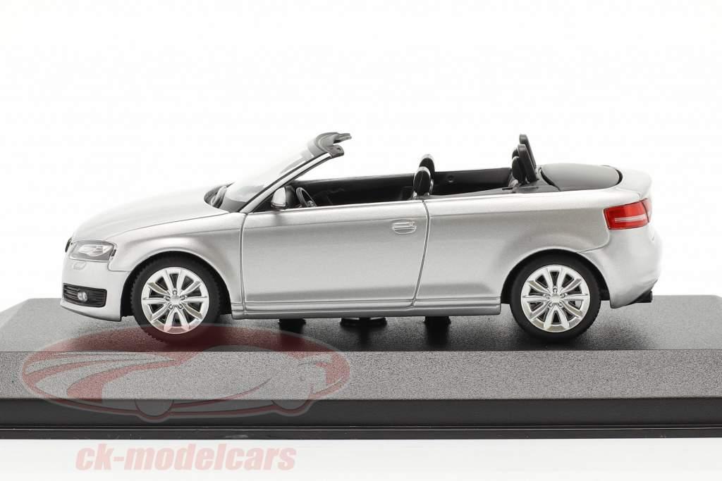 Audi A3 Cabriolet Ano de construção 2007 prata metálico 1:43 Minichamps