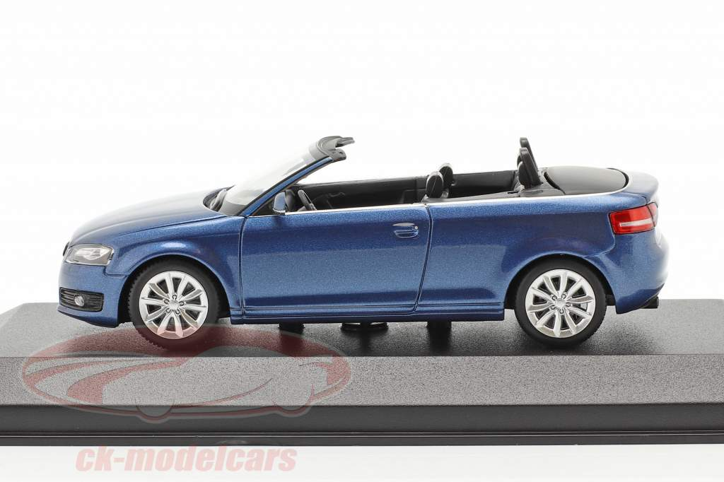 Audi A3 Cabriolet Baujahr 2007 blau metallic 1:43 Minichamps