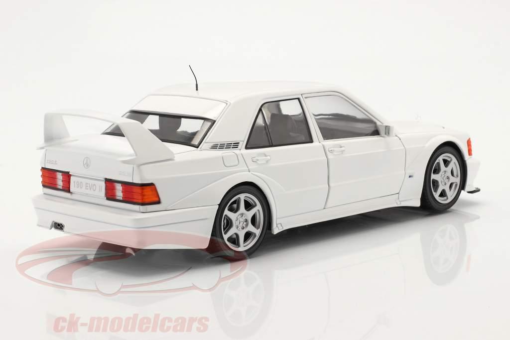 Mercedes-Benz 190E Evo 2 Baujahr 1990 weiß 1:18 Solido