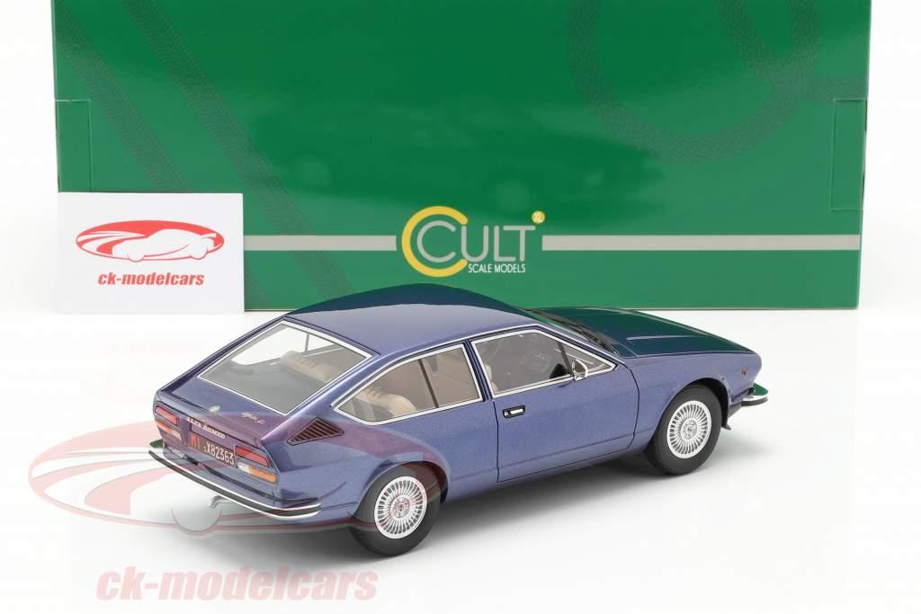 Alfa Romeo Alfetta GT Baujahr 1975 blau metallic 1:18 Cult Scale
