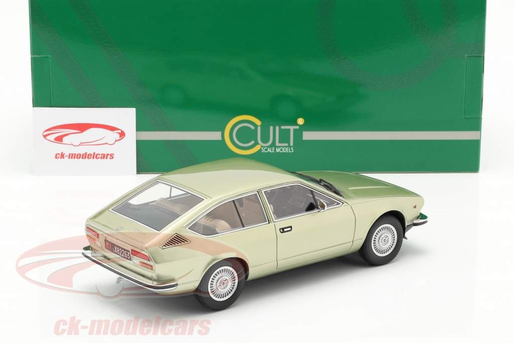 Alfa Romeo Alfetta GT Bouwjaar 1975 licht groen metalen 1:18 Cult Scale