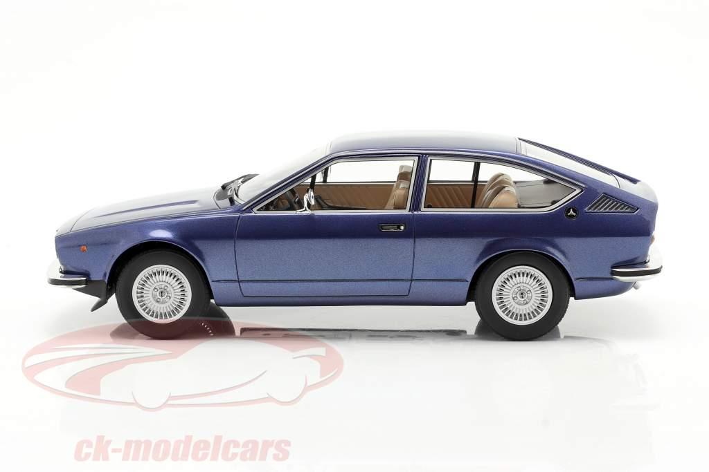 Alfa Romeo Alfetta GT Bouwjaar 1975 blauw metalen 1:18 Cult Scale