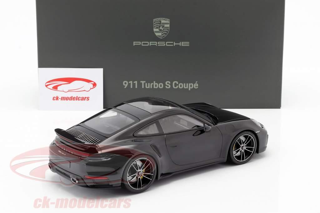Porsche 911 (992) Turbo S Bouwjaar 2020 diep zwart metalen 1:18 Minichamps