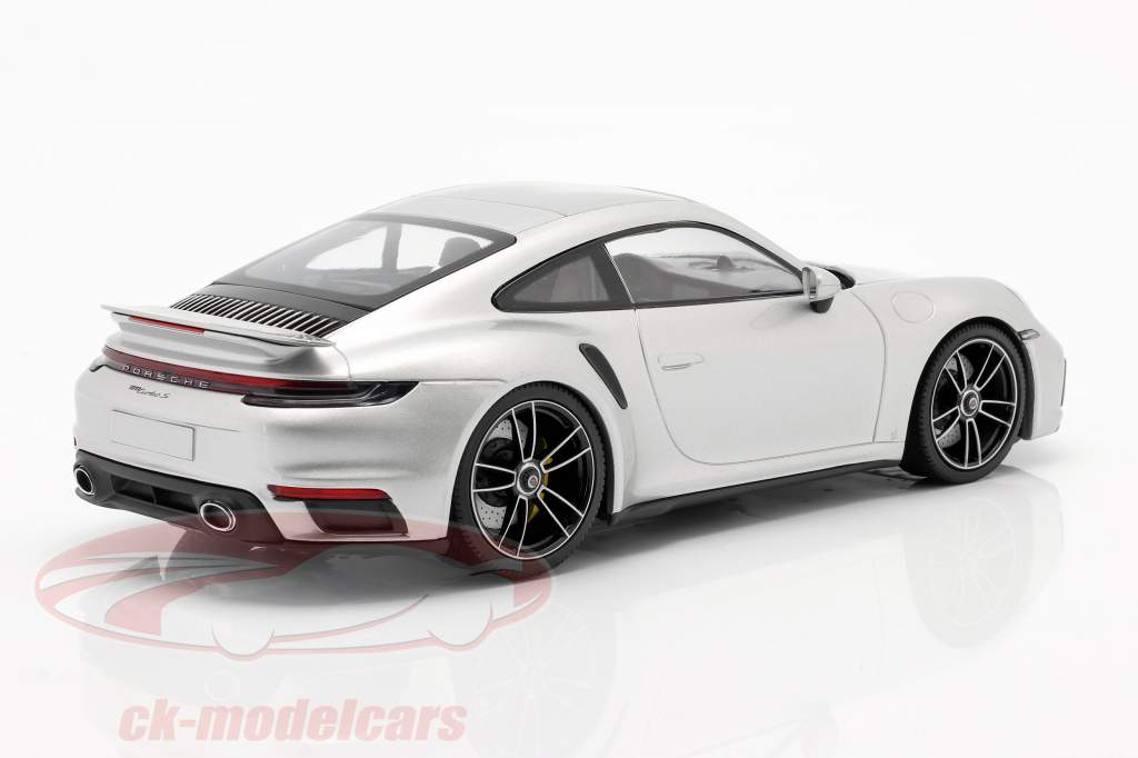 Porsche 911 (992) Turbo S Año de construcción 2020 GT plata metálico 1:18 Minichamps