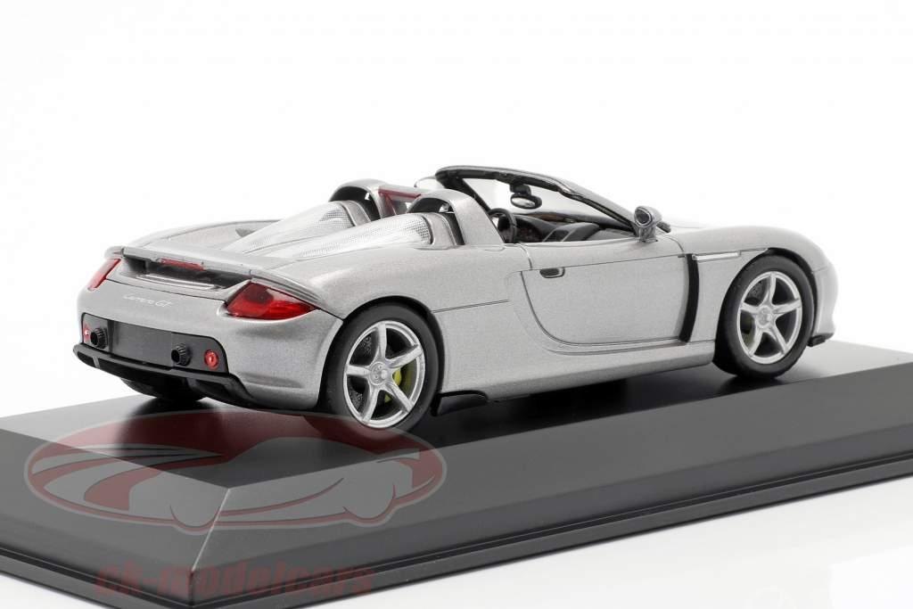 Porsche Carrera GT Anno 2003 argento Porsche Museo Edizione 1:43 Welly