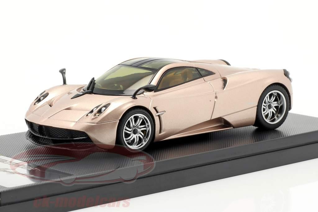 Pagani Huayra Year 2013 gold 1:43 Welly GTA