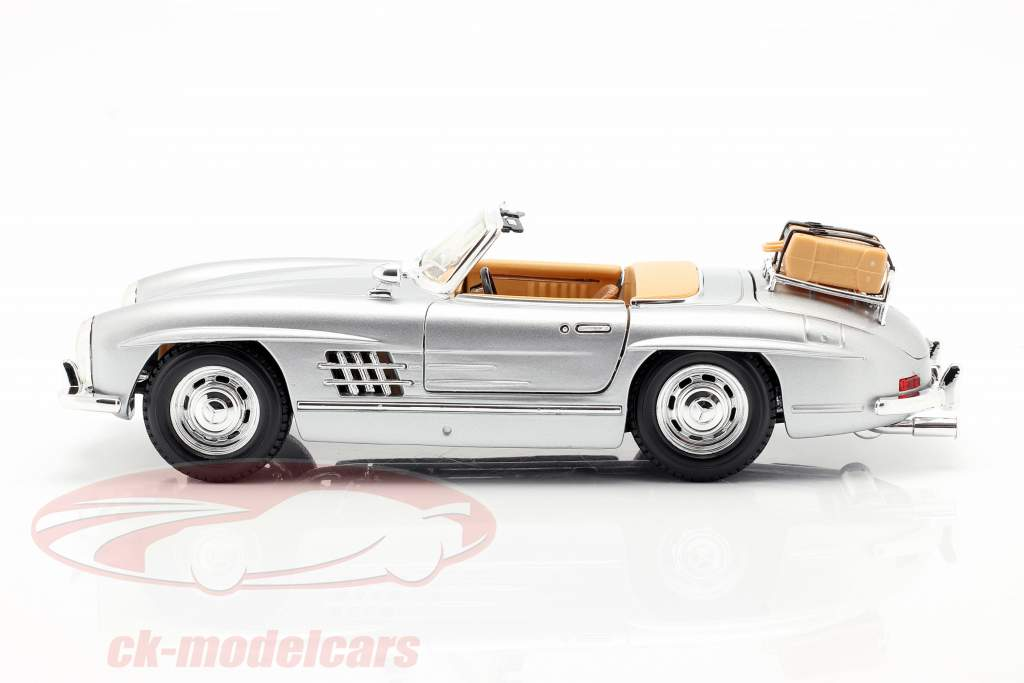 Mercedes-300 SL Touring År 1957 sølv 1:18 Bburago
