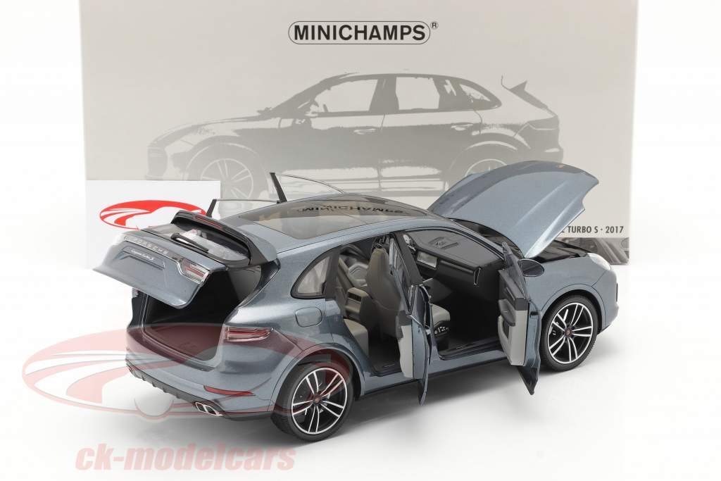 Porsche Cayenne Turbo S year 2017 blue metallic 1:18 Minichamps