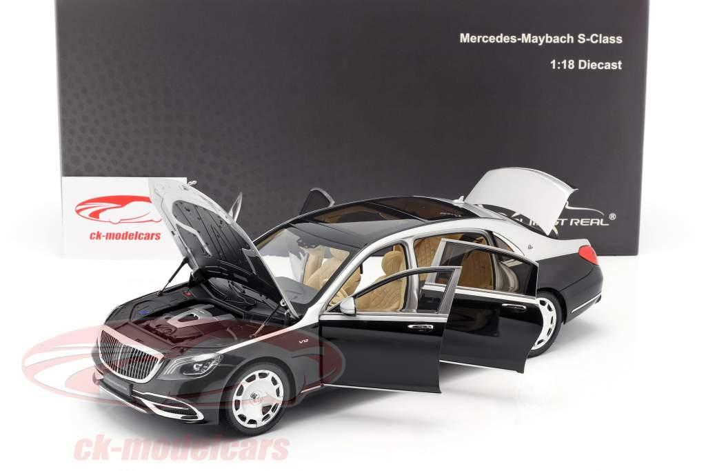 Mercedes-Benz Maybach S-Klasse Baujahr 2019 schwarz / silber 1:18 Almost Real