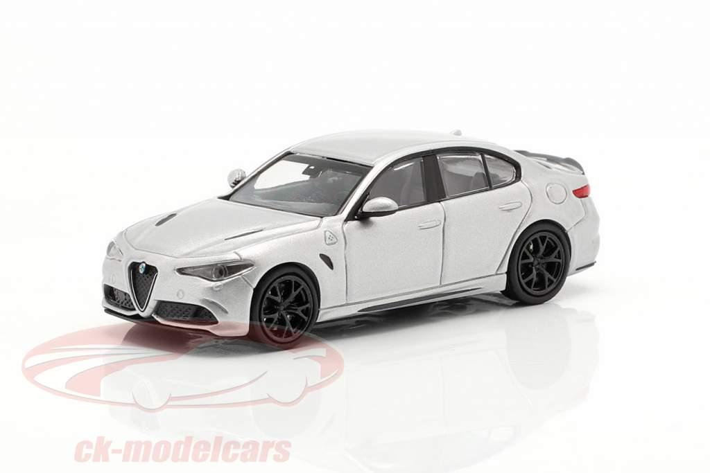 Alfa Romeo Giulia Quadrifoglio år 2017 grå metallisk 1:87 Minichamps