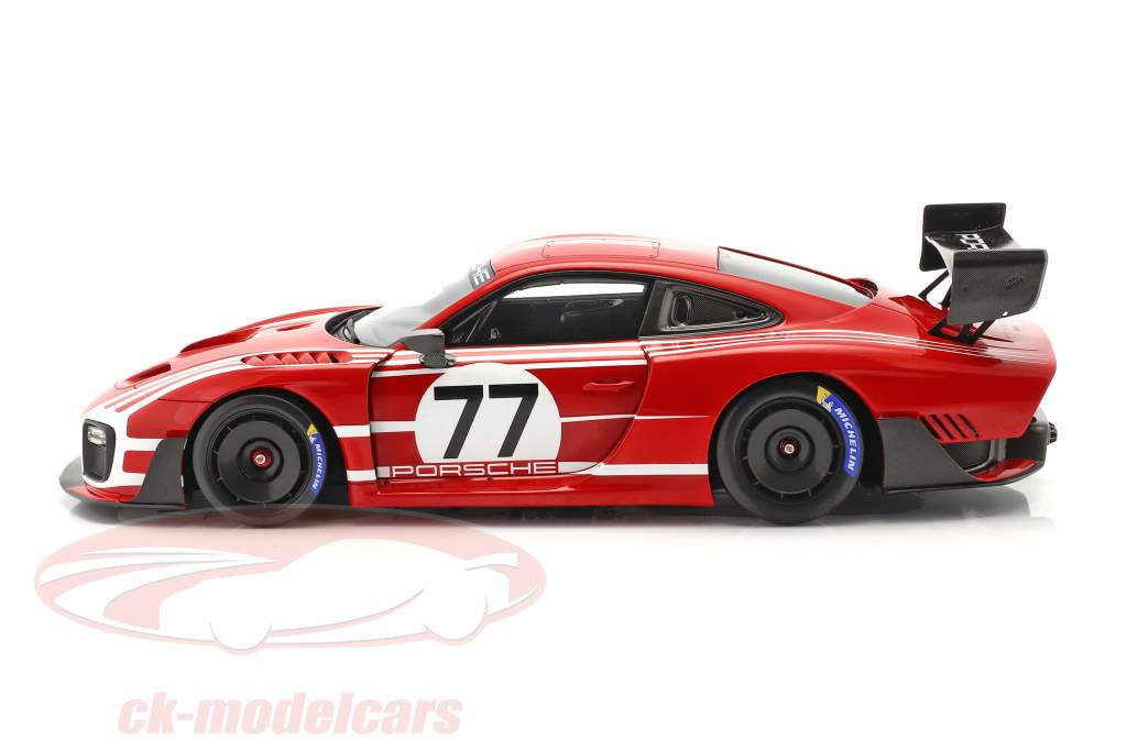 Porsche 935 based on 911 GT2 RS Clubsport Salzburg #77 with showcase 1:18 Spark