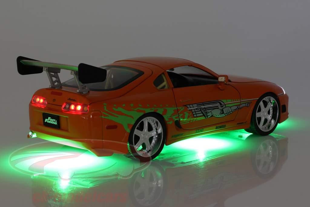 Brian's Toyota Supra 1995 映画 Fast & Furious (2001) と 図 1:18 Jada Toys