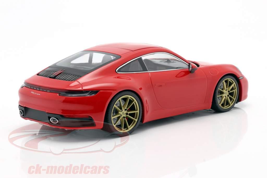Porsche 911 (992) Carrera 4S Año de construcción 2019 guardias rojo 1:18 Minichamps