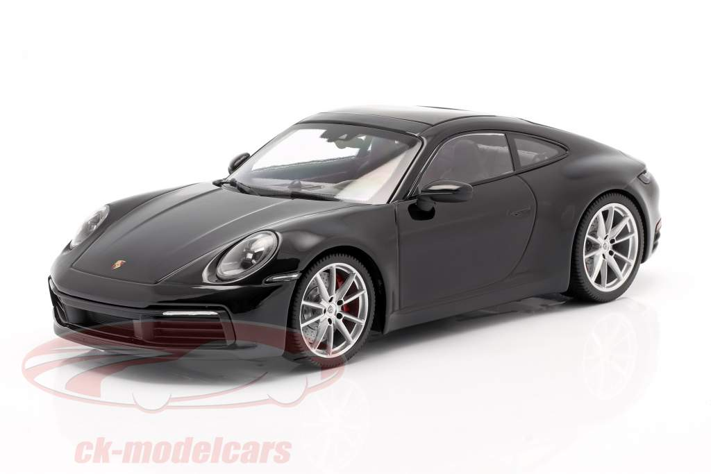 Porsche 911 (992) Carrera 4S Anno di costruzione 2019 nero 1:18 Minichamps