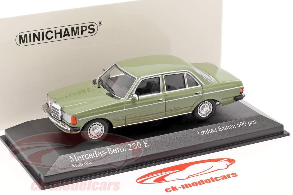 Mercedes-Benz 230E (W123) Byggeår 1982 grøn 1:43 Minichamps