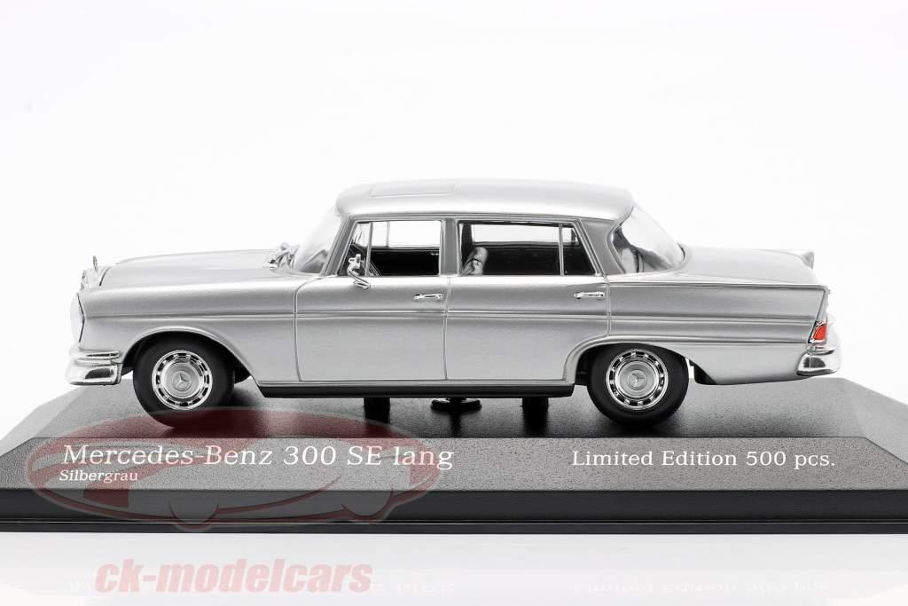 Mercedes-Benz 300 SE lungo (W112) Heckflosse Anno di costruzione 1963 argento 1:43 Minichamps