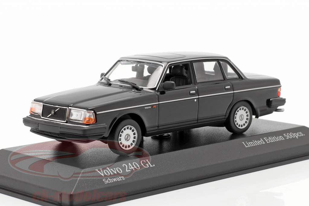 Volvo 240 GL year 1986 black 1:43 Minichamps