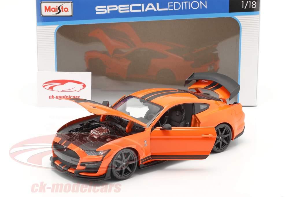 Ford Mustang Shelby GT500 año 2020 naranja con negro rayas 1:18 Maisto