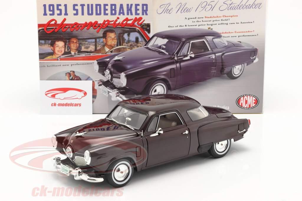Studebaker Champion Bouwjaar 1951 zwart kers- 1:18 GMP