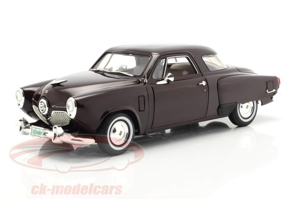 Studebaker Champion Ano de construção 1951 Preto cereja 1:18 GMP