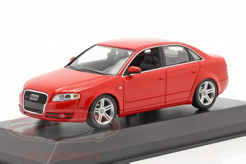 Audi A4 Baujahr 2004 rot 1:43 Minichamps