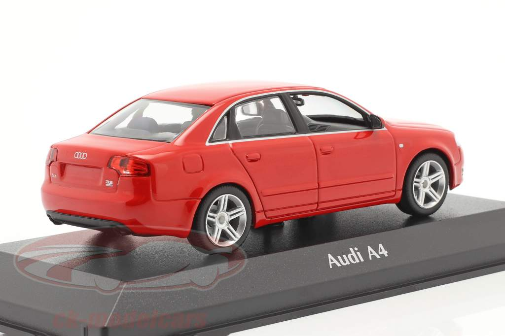 Audi A4 jaar 2004 rood 1:43 Minichamps