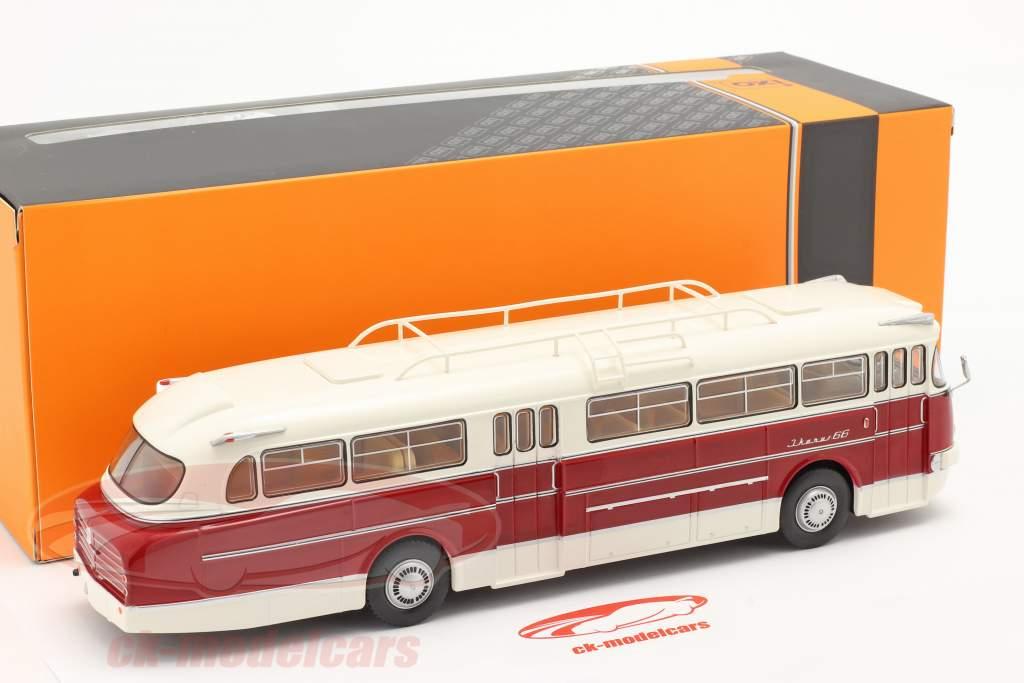 Ikarus 66 bus Bouwjaar 1972 Wit / donker rood 1:43 Ixo