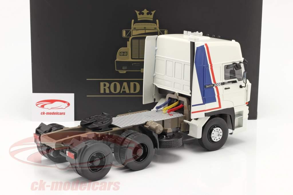 DAF 3300 SpaceCab Caminhão Ano de construção 1982 Branco / azul / vermelho 1:18 Road Kings